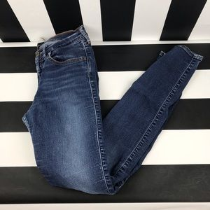 5 for $25 Hollister SoCal Stretch Skinny Jeans